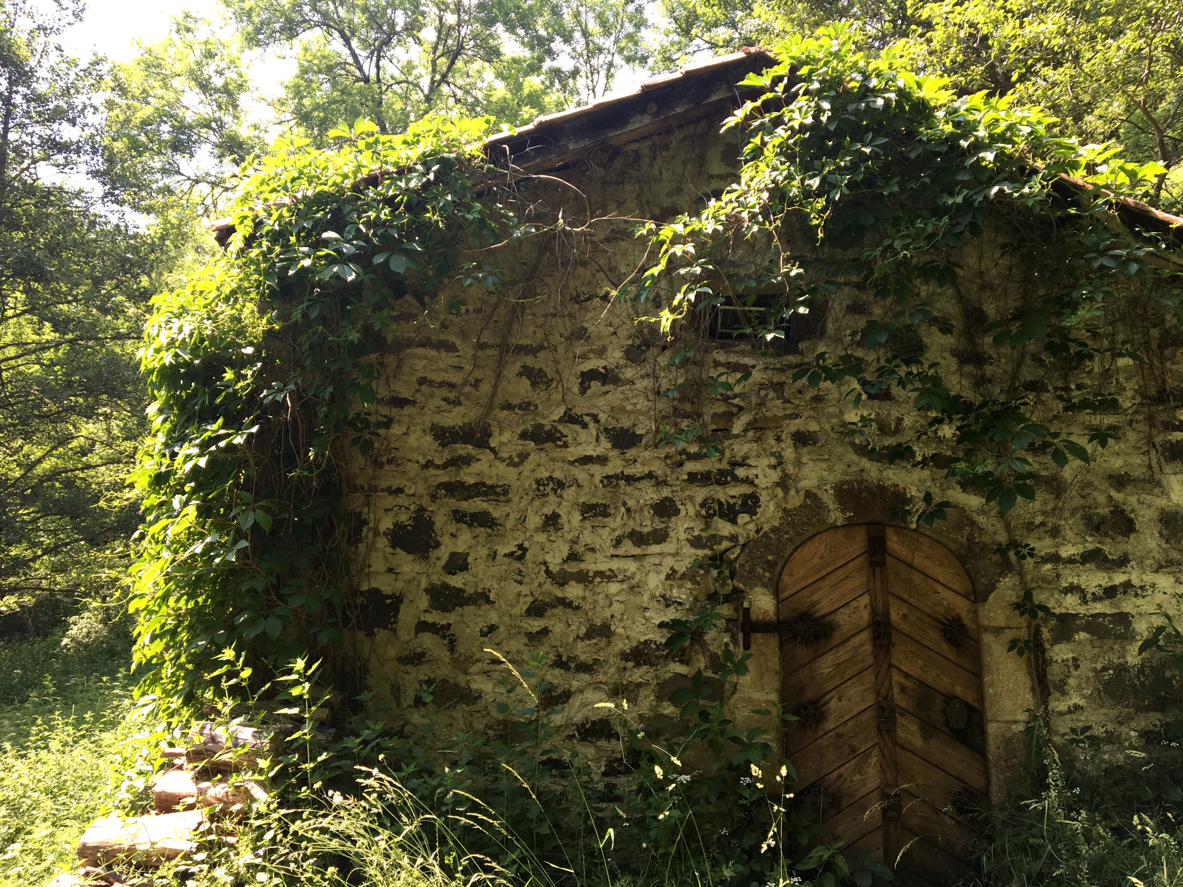 Just another dirt in the wall - Most People End The First Day In Saint Privat But I D Chosen A G Te In Combriaux A Hamlet Just Another Kilometer Or Two Further Along The Trail