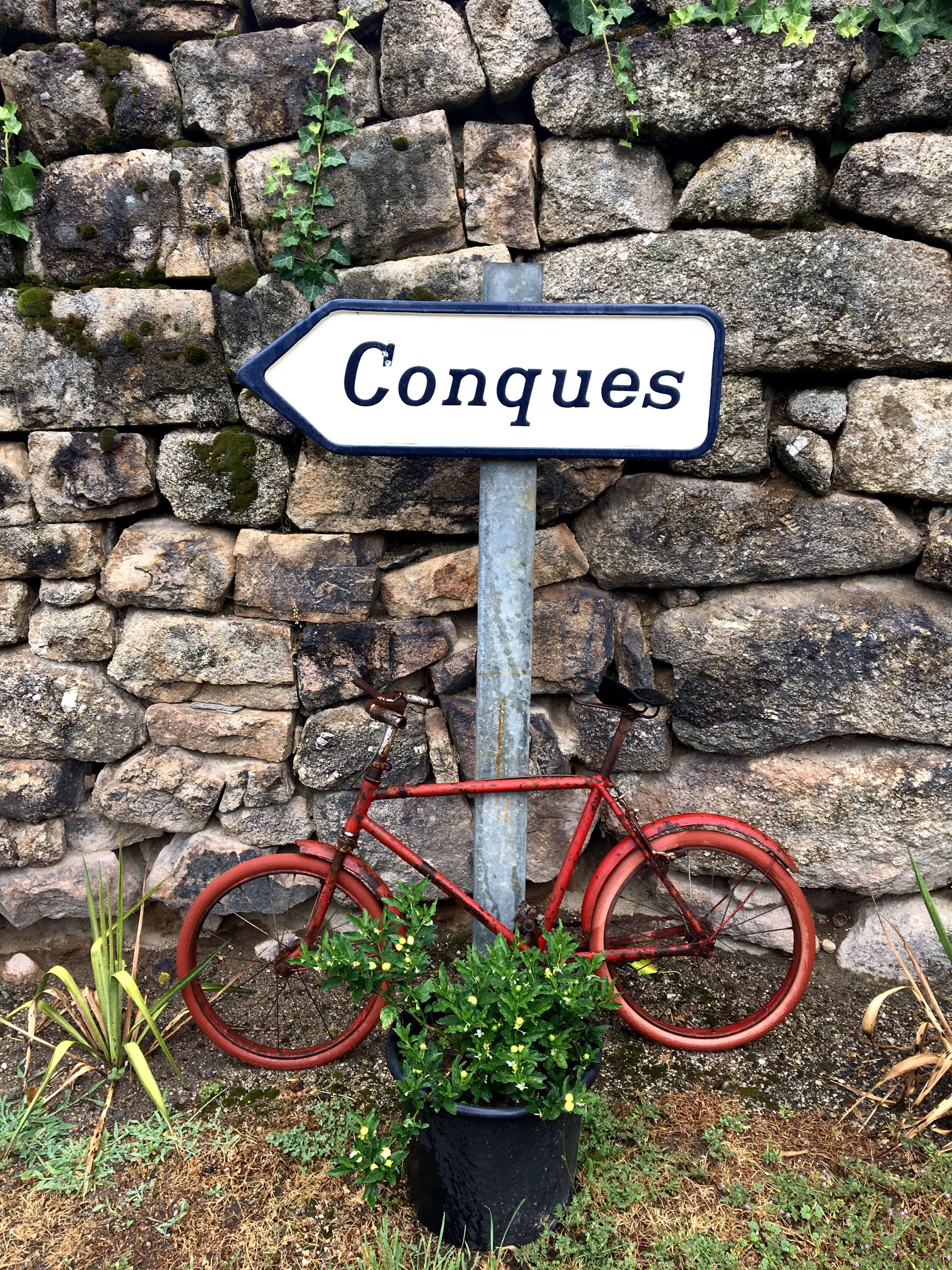 Following the arrows to Conques, Chemin du Puy