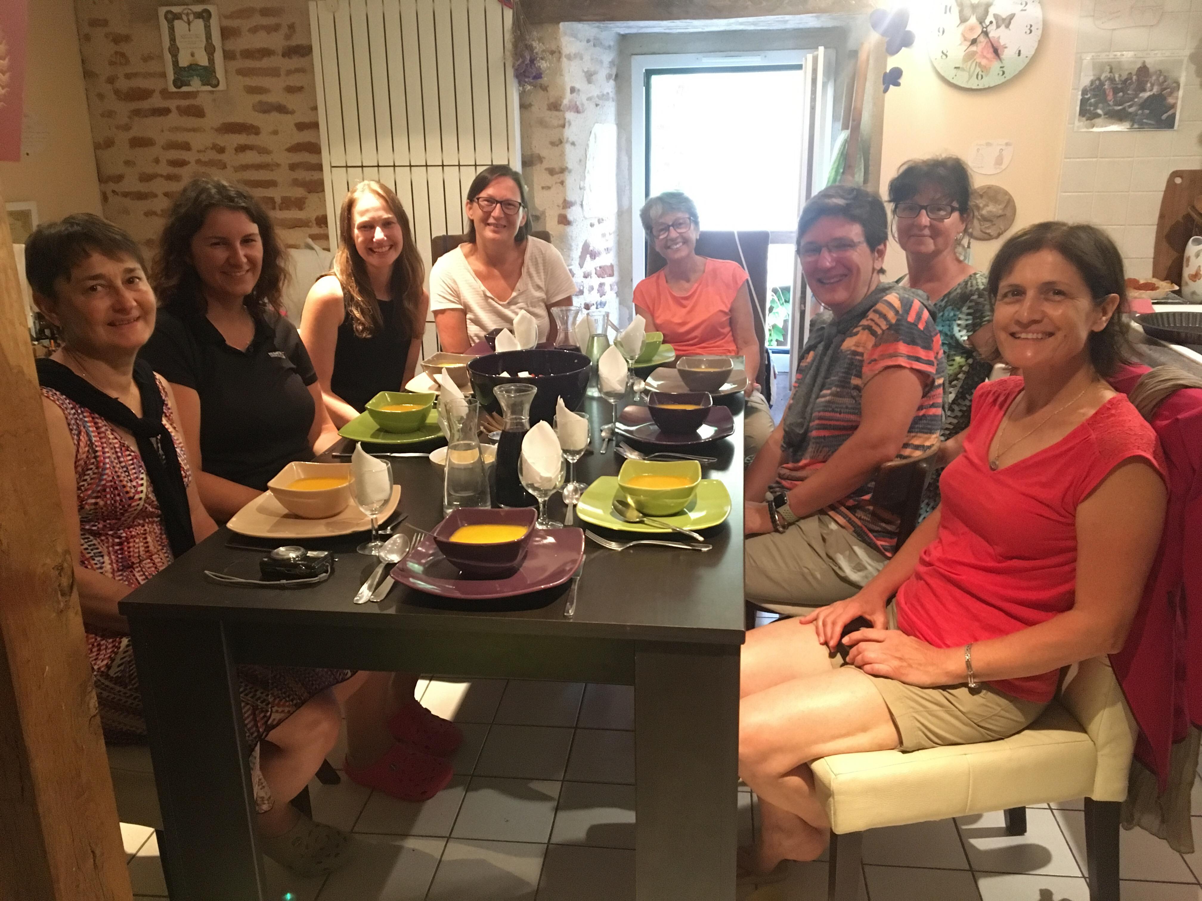 Gîte communal dinner, Le Papillon Vert, Chemin du Puy