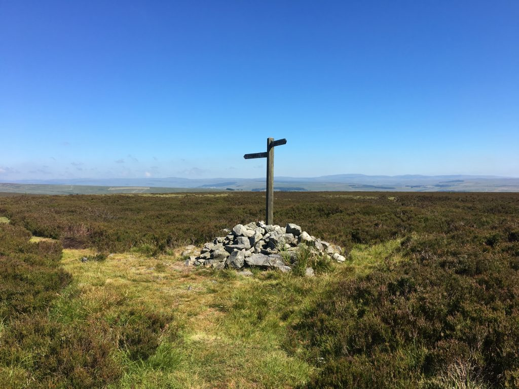 Cairn and signposts, Pennine Way