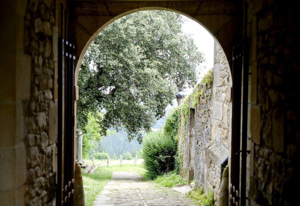 Monastery de Zennaruza, Camino del Norte