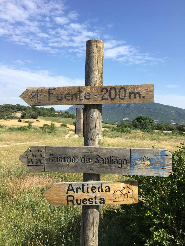 Fuente sign, Camino Aragonés