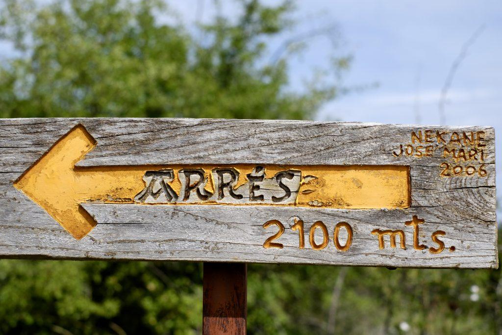 Camino Aragonés guide, sign to Arrés
