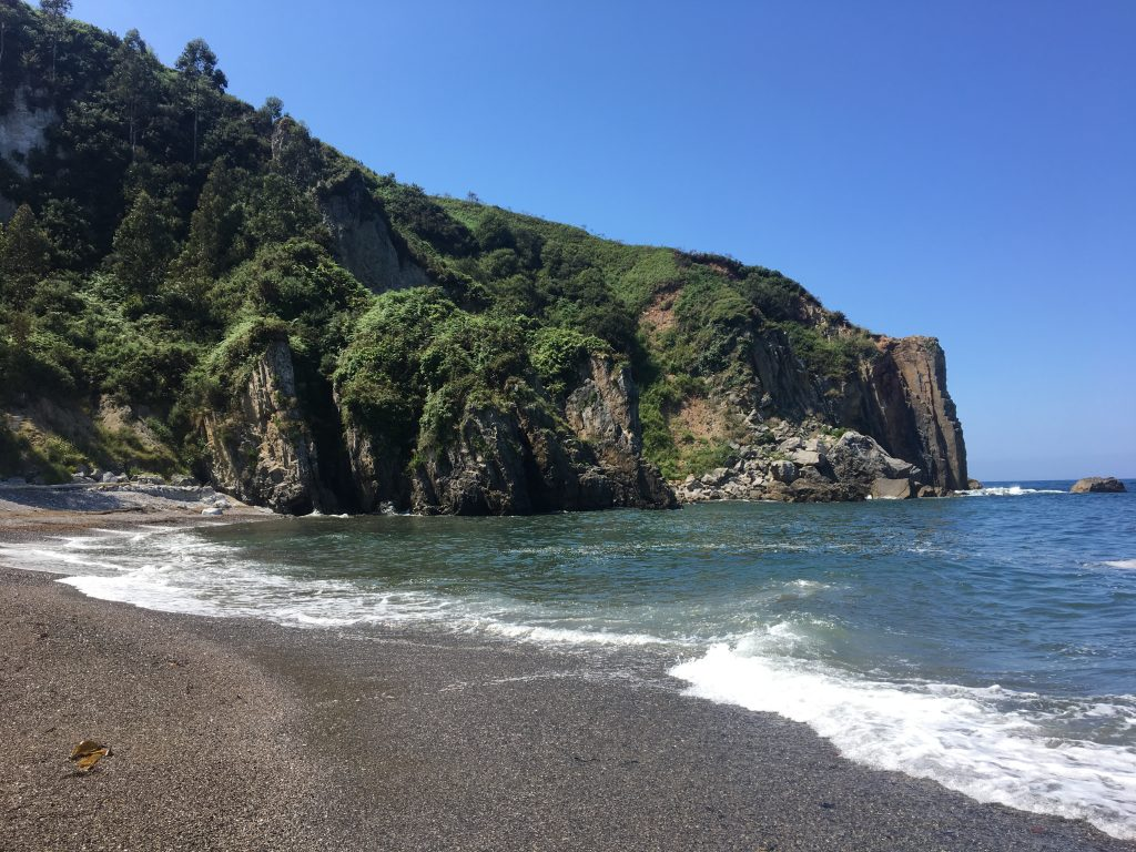 Rocky beach at Pendueles, on the Camino del Norte